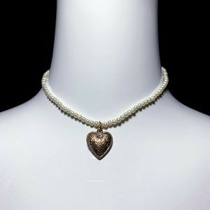 Vintage 90s Beaded Choker Necklace w/ Heart Charm